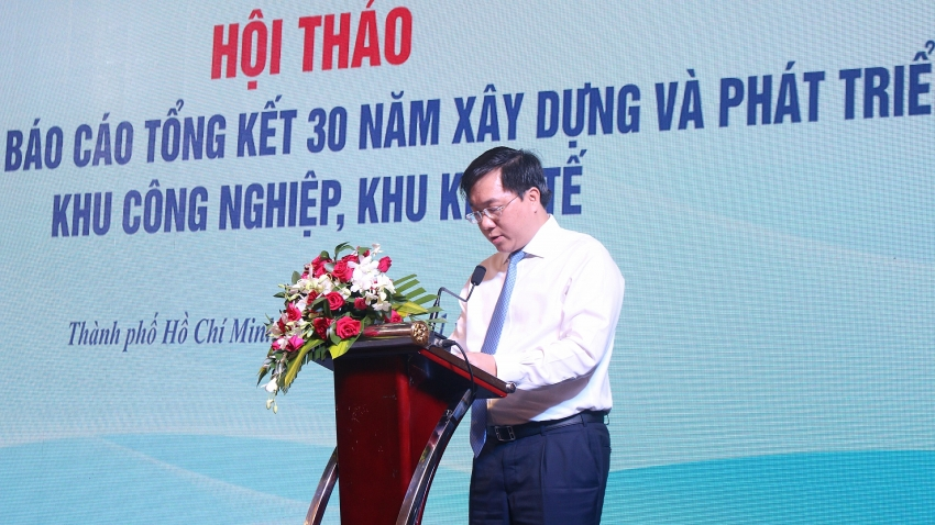 Tran Duy Dong, Deputy Minister of Planning and Investment led the workshop