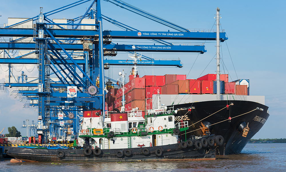 A container ship at Cat Lai Port in HCMC in October 2015. Photo by Shutterstock/withGod.
