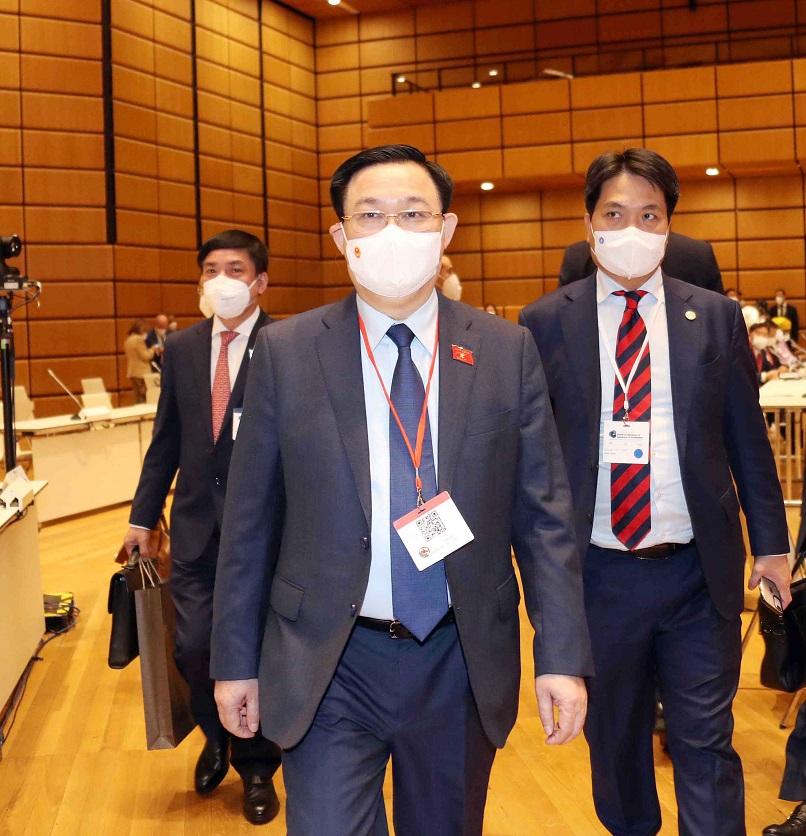Chủ tịch Quốc hội Vương Đình Huệ dẫn đầu Đoàn đại biểu cấp cao Quốc hội Việt Nam